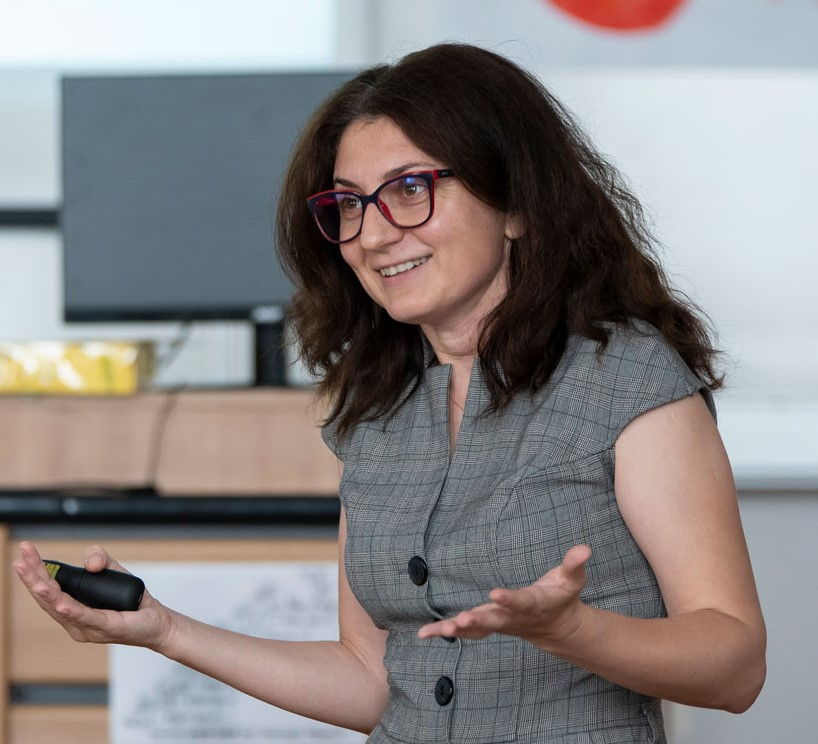 Alina Andronescu - Tutor Coordinator